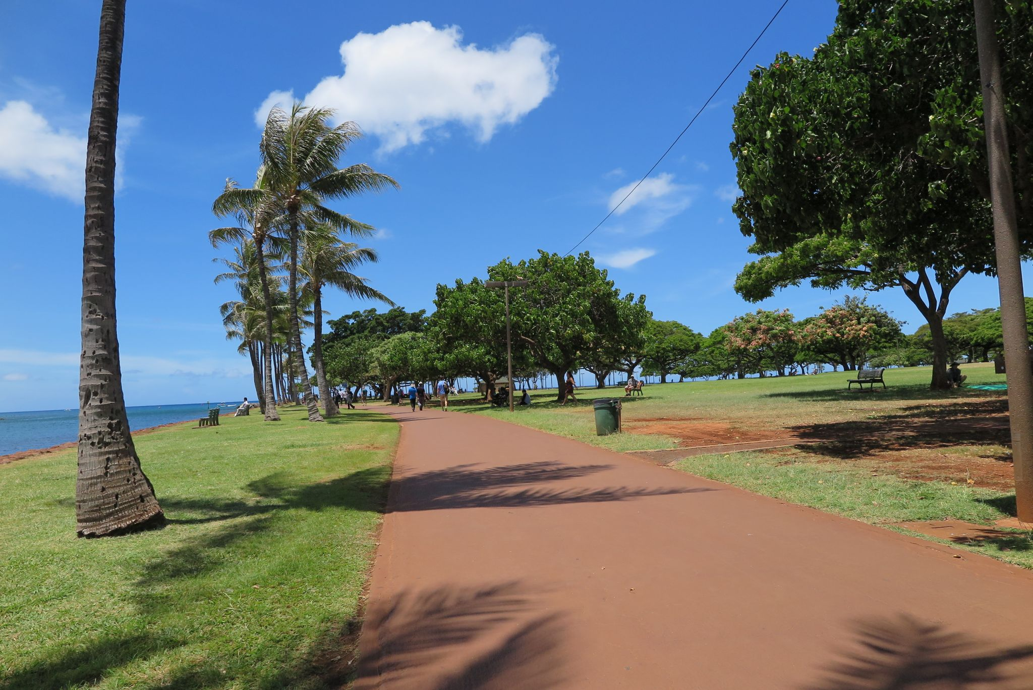 130b641fcde9 アロハ〜といえば、ハワイの挨拶の代名詞であり、日本に生息するなんちゃってハワイアンの挨拶だったりしますが、僕はどうしてもハワイに行きたくなったので格安で  ...